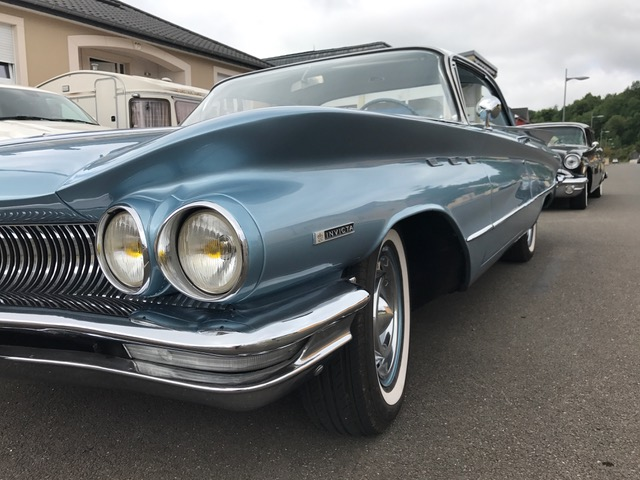 1960 Buick Invicta - Frank & Angie Louis-Enders