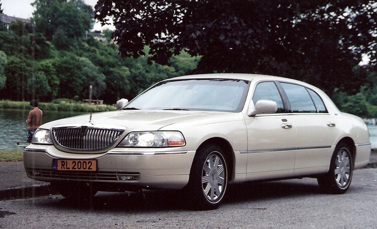 Richon Thierry - Lincoln Towncar version Cartier 2003 (1).jpg